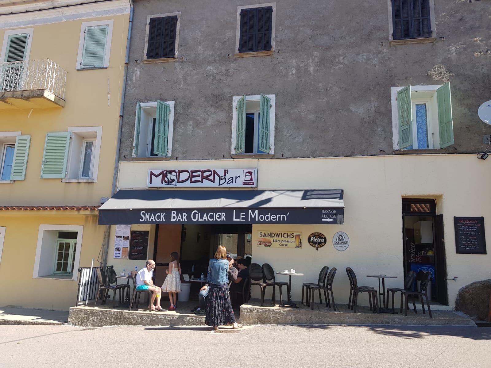 Mitraillage d'un café à Evisa, le Cullettivu Maffia No', a Vita Iè apporte son soutien aux victimes.